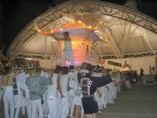天童の神輿パレード